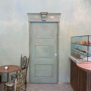Porta LINVISIBILE  Milano - moderno anticato