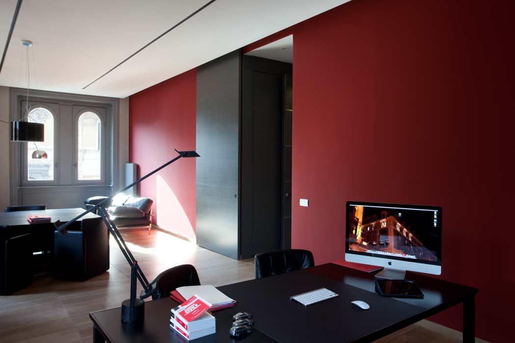 Arredamenti su misura per il tuo ufficio opendooritalia for Studio arredo